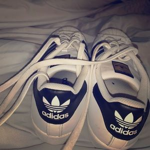 Size 8 Adidas sneakers